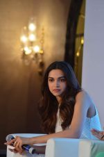 Deepika Padukone at Axis bank lime app launch in Taj on 12th Sept 2015 (135)_55f5535bbc637.JPG