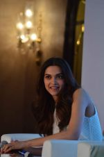Deepika Padukone at Axis bank lime app launch in Taj on 12th Sept 2015 (138)_55f5536006a1e.JPG