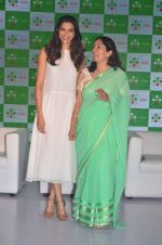Deepika Padukone at Axis bank lime app launch in Taj on 12th Sept 2015 (15)_55f5507024094.JPG