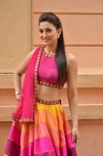 Gauhar Khan at Country Club Navratri press meet in Andheri, Mumbai on 12th Sept 2015 (37)_55f551ec171f3.JPG