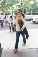 Kajol snapped at  Airport for Dilwale shoot in Hyderabad on 14th Sept 2015