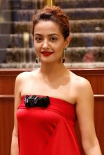 Surveen Chawla at Parched premiere at TIFF 2015 on 14th Sept 2015 (53)_55f7e1ad8336c.JPG