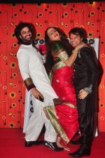 Yuvraaj Parashar, Lakshminarayan Tripathi and Kapil Sharma pose at the Aryan-Ashley sangeet of Dunno Y2 signifying same-sex marriage for the first time in Bollywood_55f7e63d53407.jpg