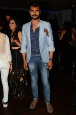 Gaurav Chopra at Munisha Khatwani_s bday bash in La Rouche on 15th Sept 2015 (141)_55f924a83452a.JPG