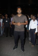 Leander paes snapped at Mumbai airport on 15th Sept 2015 (4)_55f91fab872b9.JPG