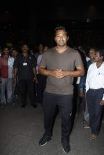 Leander paes snapped at Mumbai airport on 15th Sept 2015 (6)_55f91fad0c2d4.JPG