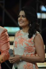 Mini Mathur at Indian Idol episode special in Filmcity on 15th Sept 2015 (39)_55f92343af475.JPG