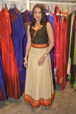 Pooja Kanwal at Kashish store launch in Huges Road on 15th Sept 2015 (42)_55f922747d1b8.JPG
