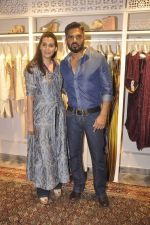 Sunil Shetty, Mana Shetty at Kashish store launch in Huges Road on 15th Sept 2015 (71)_55f922816b78a.JPG