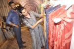 Sunil Shetty, Mana Shetty at Kashish store launch in Huges Road on 15th Sept 2015 (74)_55f9228237a01.JPG