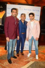 Zaheer Khan, Sooraj Pancholi at Paul Smith event in Palladium on 16th Sept 2015 (52)_55fa955feecbb.JPG
