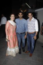 Anup Soni, Juhi Babbar, Prateik babbar at Salman Khan_s Ganpati celebrations on 17th Sept 2015 (74)_55fbbfeb3d62f.JPG