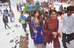 Madhur Bhandarkar with calendar Girls at Ganpati celebrations on 17th Sept 2015