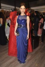 Tamannaah Bhatia at Amit Agarwal present its first Indian Wear Couture at Atosa on 19th Sept 2015 (33)_55fe51433c219.JPG