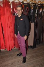at Amit Agarwal present its first Indian Wear Couture at Atosa on 19th Sept 2015 (59)_55fe50cc1dd6b.JPG