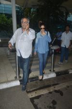 Boney Kapoor snapped at airport on 20th Sept 2015  (34)_55ffaaad4fbdd.JPG