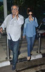Boney Kapoor snapped at airport on 20th Sept 2015 (8)_55ffaa982b4f0.JPG