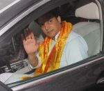 Jimmy Shergill snapped at Siddhivinayak temple on 20th Sept 2015,1 (5)_55ffabfedd675.JPG