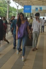 Shraddha Kapoor snapped at airport on 20th Sept 2015  (38)_55ffaa7b3b742.JPG