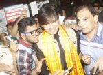 Vivek Oberoi snapped at Siddhivinayak temple on 20th Sept 2015 (29)_55ffac5d05913.JPG