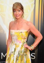 Emmy Awards 2015 red carpet (68)_560108153e27b.jpg
