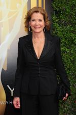 Emmy Awards 2015 red carpet (76)_560108320814a.jpg