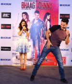 Kunal Khemu and Zoa Morani promoting Bhaag Johnny in KORUM Mall, Thane on 21st Sept 2015 (2)_56010174ecd4a.jpg