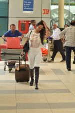 Malaika Arora Khan snapped at Airport on 21st Sept 2015 (23)_56011807ee82a.JPG