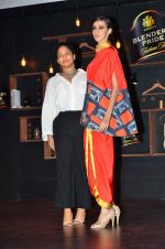 Masaba, Alecia Raut at Blenders Pride tour preview in Mumbai on 21st Sept 2015 (58)_5601069e52eb1.JPG