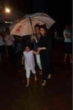 Neetu Singh at Rishi Kapoor_s Ganpati Visarjan on 21st Sept 2015 (4)_5601095434366.JPG