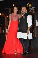 at Blenders Pride tour preview in Mumbai on 21st Sept 2015 (38)_560108ceb1c87.JPG
