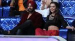 Akshay Kumar and Amy Jackson promote Singh Is Bling on the sets of Dance India Dance 5_56024efdccceb.JPG