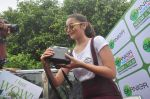 Alia Bhatt at garnier bus event in Churchgate on 22nd Sept 2015 (58)_56026105558c7.JPG