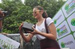 Alia Bhatt at garnier bus event in Churchgate on 22nd Sept 2015 (59)_56026106a56d4.JPG