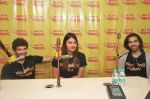 Anushka Ranjan, Diganth Manchale and Karan Grover promote Wedding Pullav at Radio Mirchi studio on 23rd Sept 2015 (2)_5602b31feb681.JPG