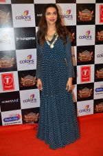 Deepika Padukone at Gulshan Kumar Tribute in Filmcity on 22nd Sept 2015 (418)_5602a90437921.JPG