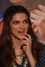 Deepika Padukone at Tamasha trailor launch in Mumbai on 22nd Sept 2015 (88)_5602a6d5911c7.JPG