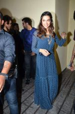 Deepika Padukone, Ranbir Kapoor at Tamasha trailor launch in Mumbai on 22nd Sept 2015 (32)_5602a6e1b771a.JPG
