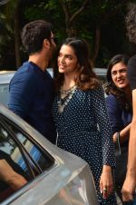 Deepika Padukone, Ranbir Kapoor at Tamasha trailor launch in Mumbai on 22nd Sept 2015 (7)_5602a6dbd5645.JPG