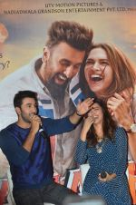 Deepika Padukone, Ranbir Kapoor at Tamasha trailor launch in Mumbai on 22nd Sept 2015 (91)_5602a76114451.JPG