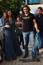 Deepika Padukone, Ranbir Kapoor, Imtiaz Ali at Tamasha trailor launch in Mumbai on 22nd Sept 2015 (30)_5602a6f2c2970.JPG