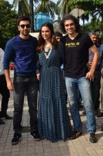 Deepika Padukone, Ranbir Kapoor, Imtiaz Ali at Tamasha trailor launch in Mumbai on 22nd Sept 2015 (35)_5602a6f4ae3d2.JPG