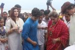 Dimple kapadia and twinkle_s ganpati visarjan on 22nd Sept 2015 (105)_5602613cb391d.JPG