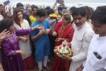 Dimple kapadia and twinkle_s ganpati visarjan on 22nd Sept 2015 (107)_5602610daad3b.JPG