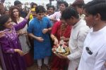Dimple kapadia and twinkle_s ganpati visarjan on 22nd Sept 2015 (110)_5602613f4e63a.JPG