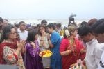Dimple kapadia and twinkle_s ganpati visarjan on 22nd Sept 2015 (113)_5602611006f32.JPG