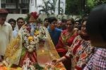 Dimple kapadia and twinkle_s ganpati visarjan on 22nd Sept 2015 (64)_5602612c0f40e.JPG