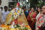 Dimple kapadia and twinkle_s ganpati visarjan on 22nd Sept 2015 (67)_5602612e25565.JPG