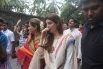 Dimple kapadia and twinkle_s ganpati visarjan on 22nd Sept 2015 (84)_56026134384b2.JPG