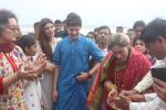 Dimple kapadia and twinkle_s ganpati visarjan on 22nd Sept 2015 (89)_560261062c872.JPG